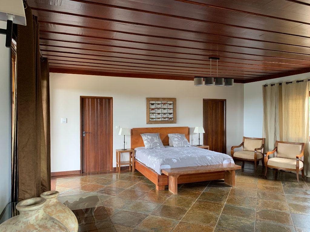 Maison à vendre 6 335m2 à Remire-Montjoly vignette-11