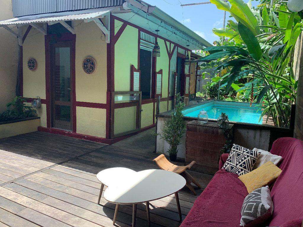 Maison à vendre 7 185m2 à Cayenne vignette-2