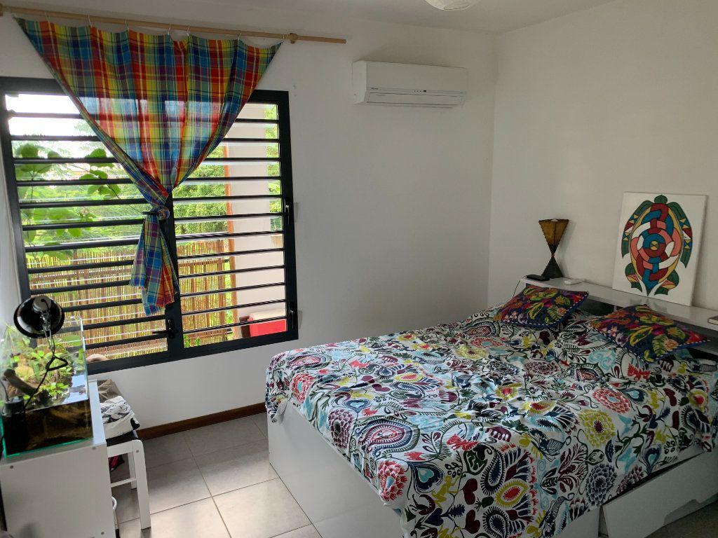 Appartement à vendre 2 59.8m2 à Cayenne vignette-3