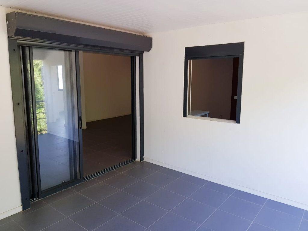 Appartement à vendre 4 98.03m2 à Cayenne vignette-4