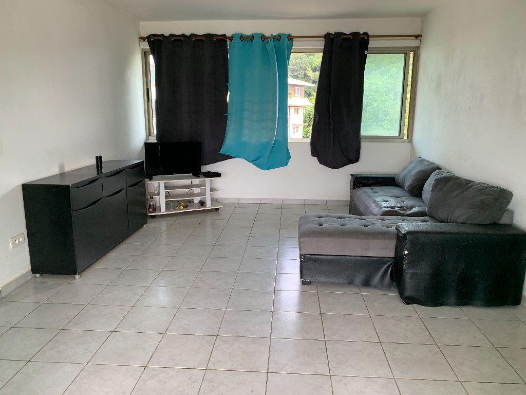 Appartement à vendre 2 56.63m2 à Remire-Montjoly vignette-1