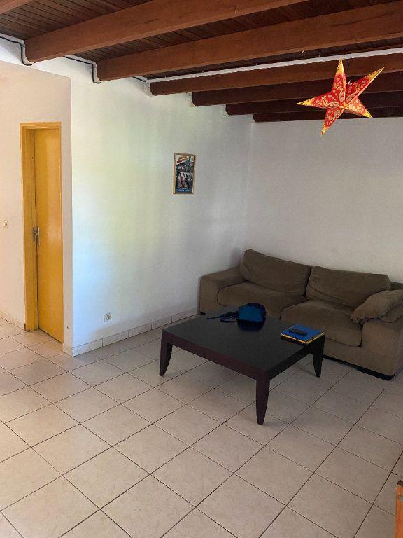 Appartement à louer 2 70m2 à Cayenne vignette-1