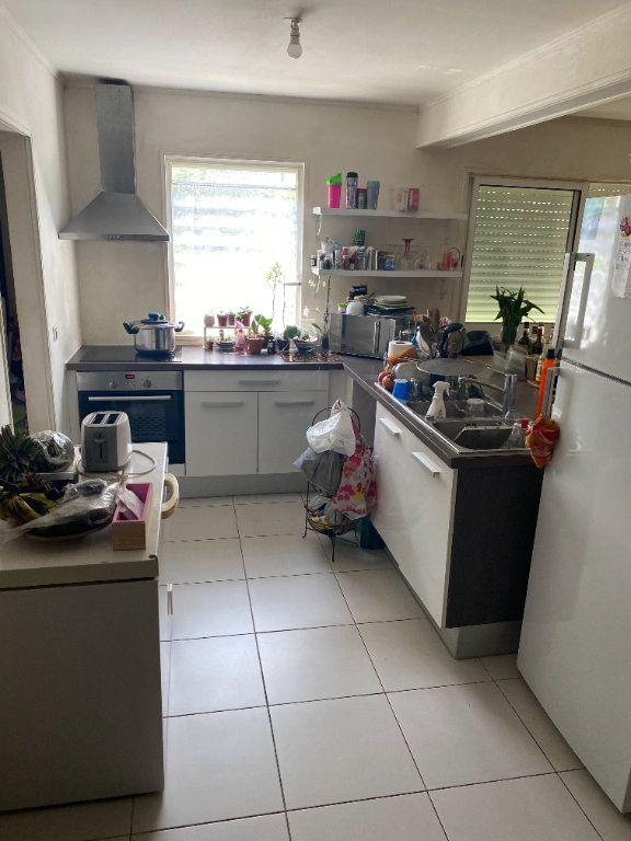 Appartement à louer 3 81.73m2 à Remire-Montjoly vignette-2