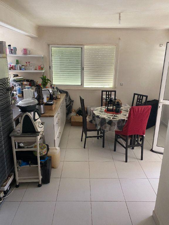 Appartement à louer 3 81.73m2 à Remire-Montjoly vignette-3
