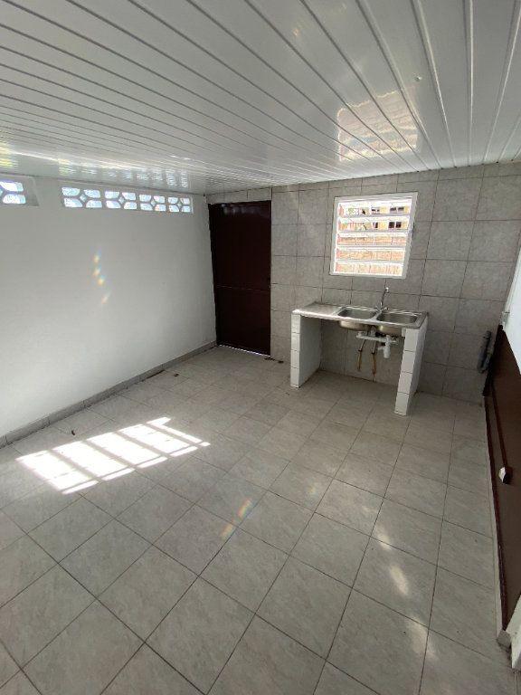Appartement à louer 3 55.5m2 à Cayenne vignette-2