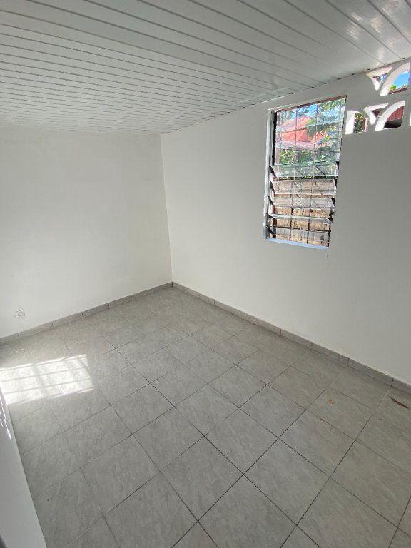 Appartement à louer 3 55.5m2 à Cayenne vignette-4