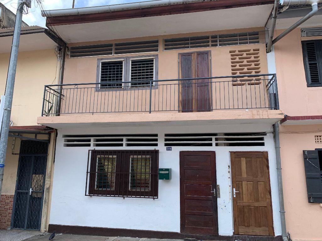 Immeuble à vendre 0 125m2 à Cayenne vignette-1