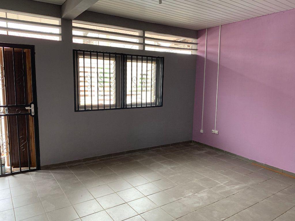 Immeuble à vendre 0 125m2 à Cayenne vignette-2