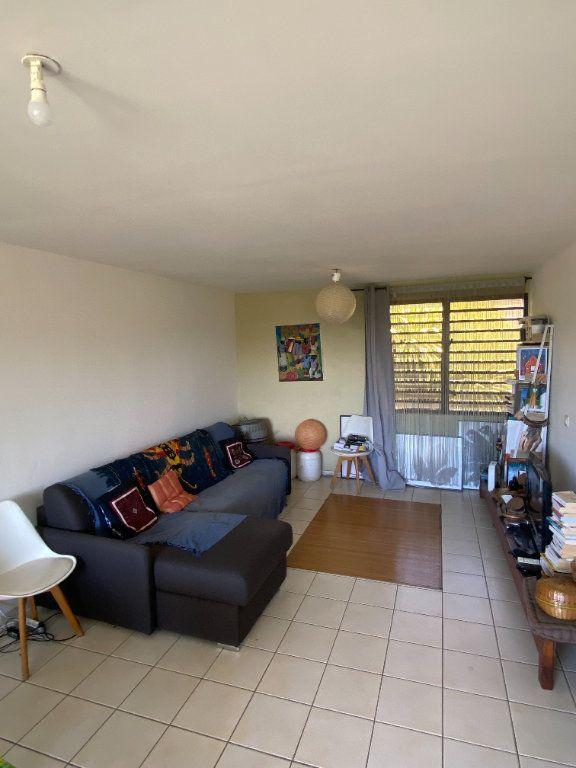 Appartement à louer 3 67.6m2 à Cayenne vignette-1