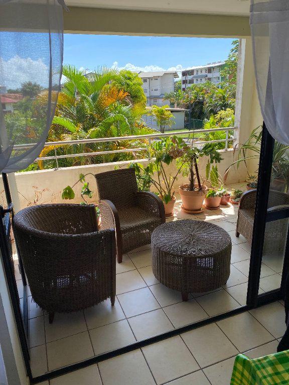 Appartement à louer 3 67.6m2 à Cayenne vignette-2