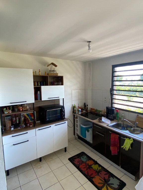 Appartement à louer 3 67.6m2 à Cayenne vignette-3