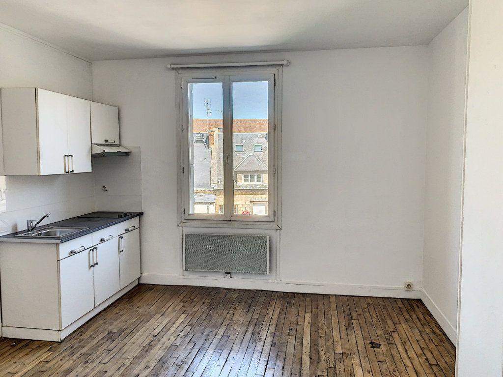 Appartement à louer 2 31.18m2 à Compiègne vignette-1