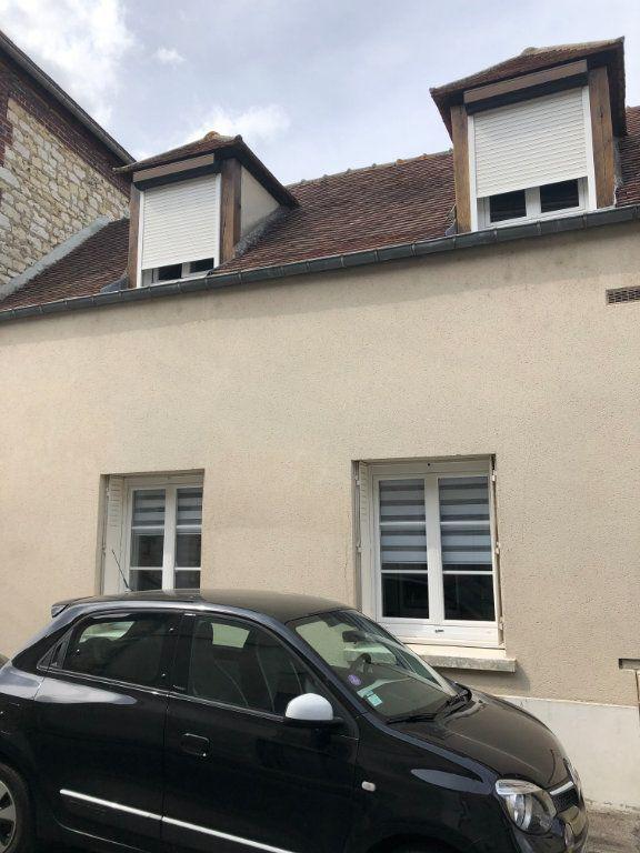 Appartement à louer 1 27.5m2 à Margny-lès-Compiègne vignette-1