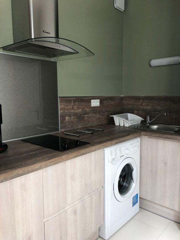 Appartement à louer 1 27.5m2 à Margny-lès-Compiègne vignette-2