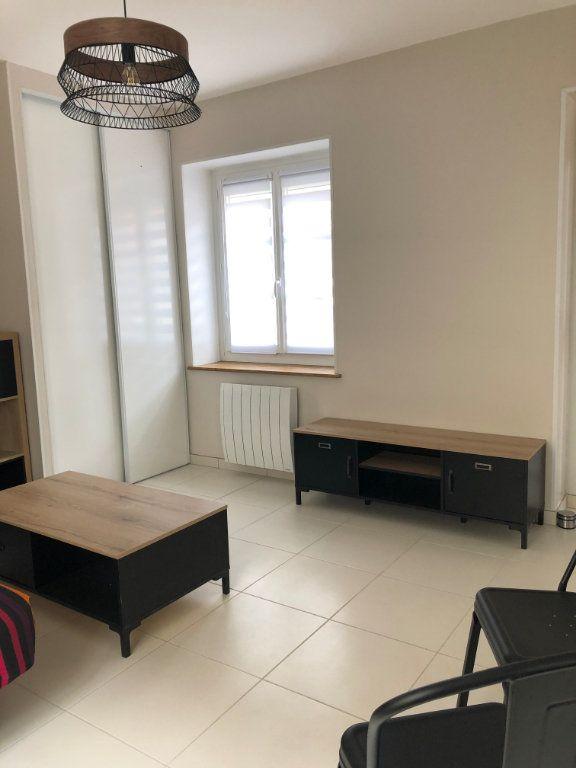 Appartement à louer 1 27.5m2 à Margny-lès-Compiègne vignette-3