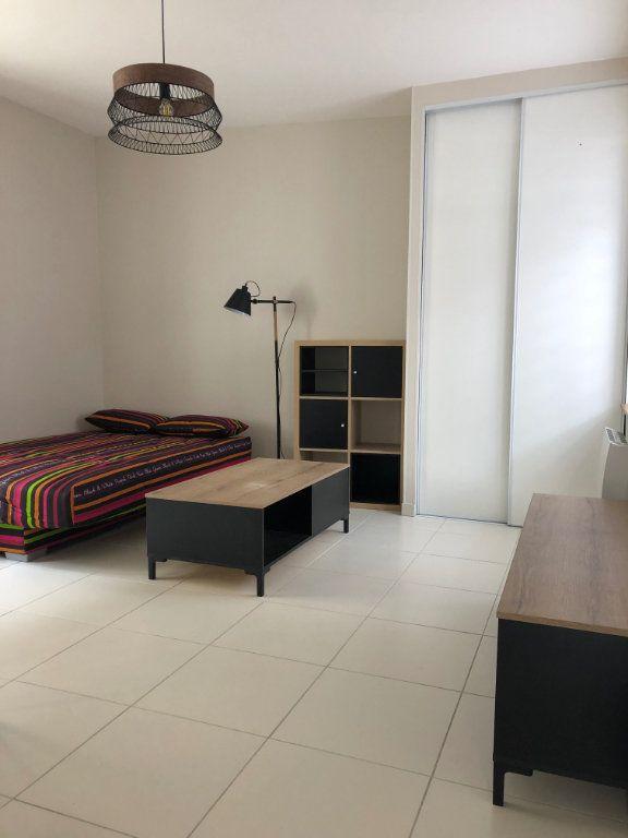 Appartement à louer 1 27.5m2 à Margny-lès-Compiègne vignette-4