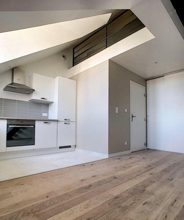 Appartement à louer 3 60.2m2 à Compiègne vignette-3