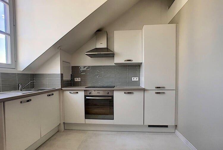 Appartement à louer 3 60.2m2 à Compiègne vignette-4