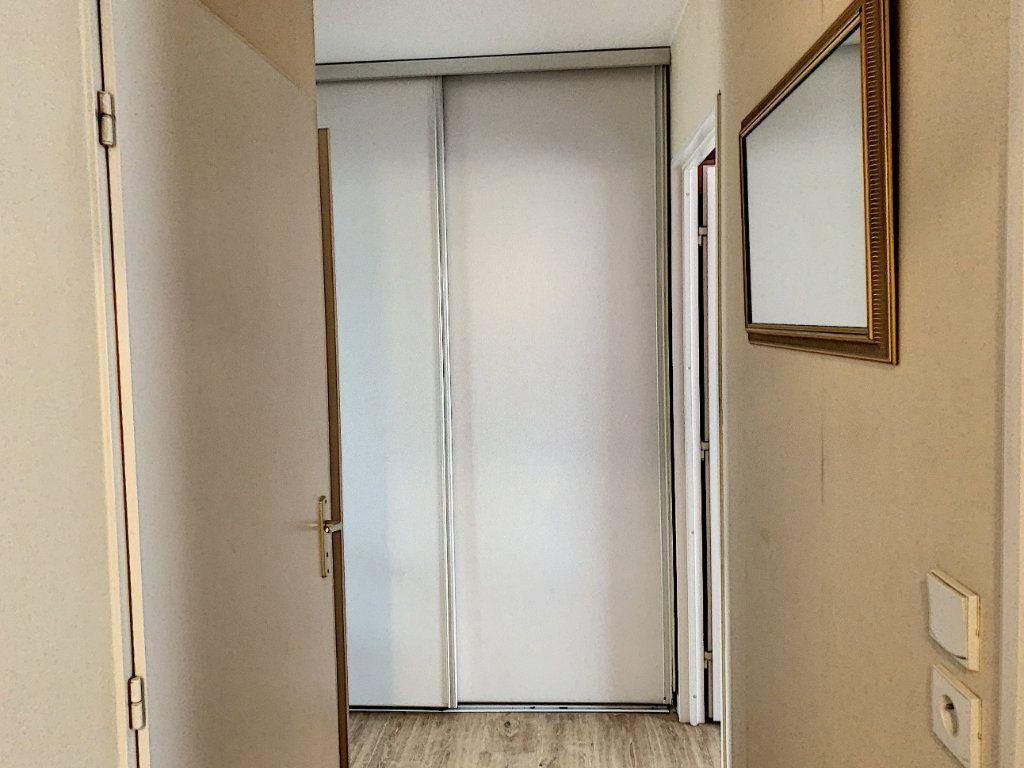 Appartement à vendre 3 66.41m2 à Margny-lès-Compiègne vignette-11