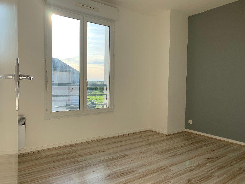 Appartement à louer 3 69m2 à Margny-lès-Compiègne vignette-5