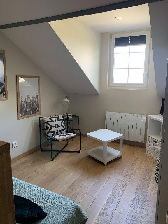 Appartement à louer 1 17m2 à Compiègne vignette-3