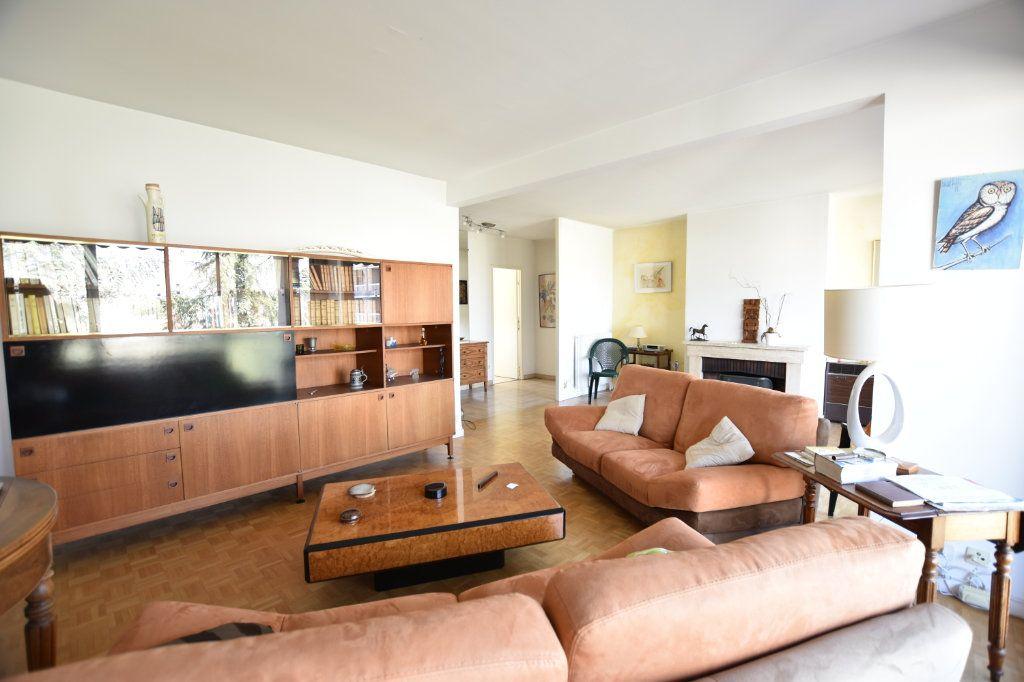 Appartement à vendre 5 122.85m2 à Lyon 5 vignette-2