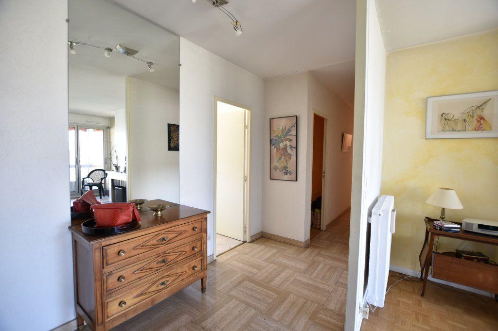 Appartement à vendre 5 122.85m2 à Lyon 5 vignette-3