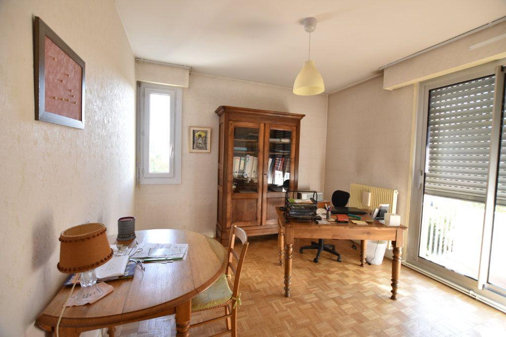 Appartement à vendre 5 122.85m2 à Lyon 5 vignette-9