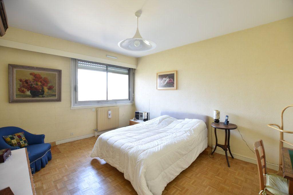 Appartement à vendre 5 122.85m2 à Lyon 5 vignette-11
