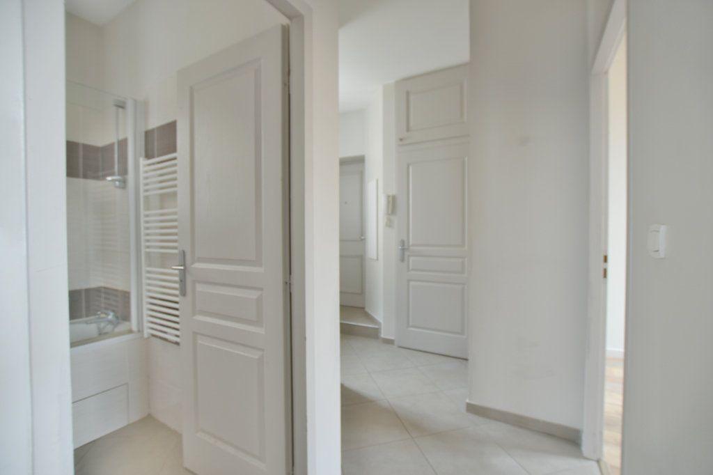 Appartement à louer 3 52.9m2 à Francheville vignette-4