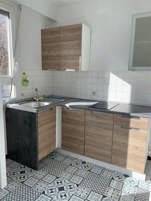 Appartement à vendre 2 41.72m2 à Reims vignette-2