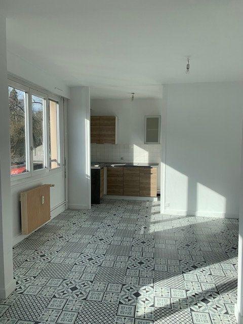 Appartement à vendre 2 41.72m2 à Reims vignette-4