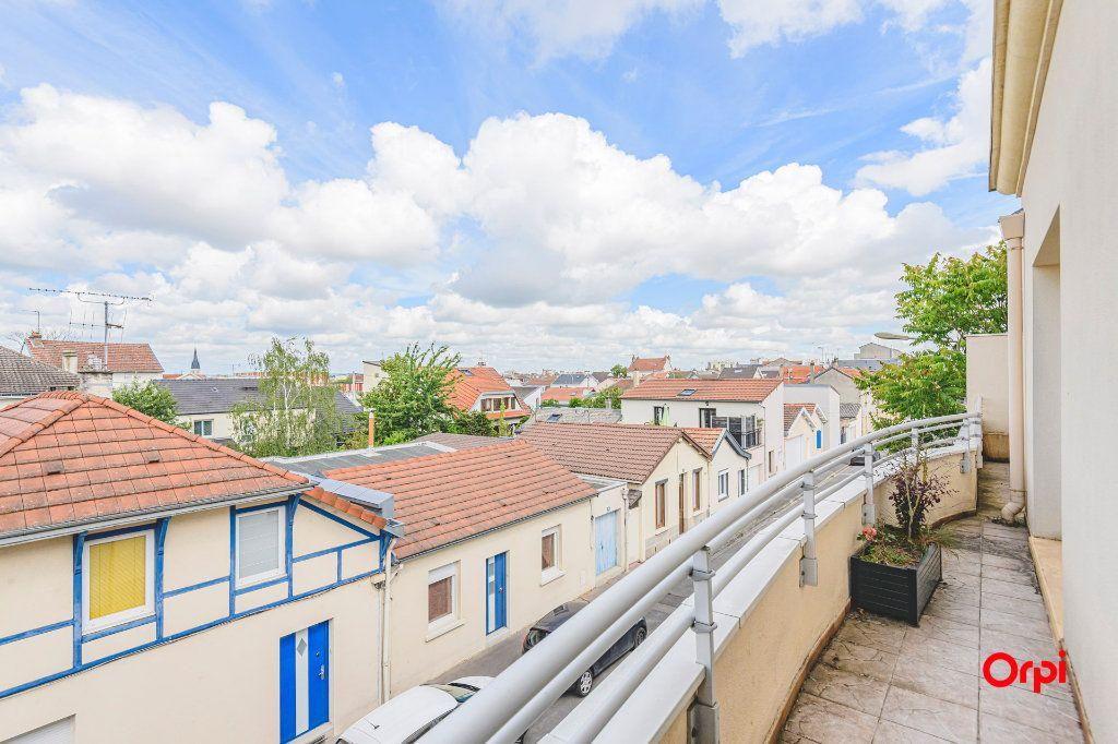 Appartement à vendre 5 98m2 à Reims vignette-2