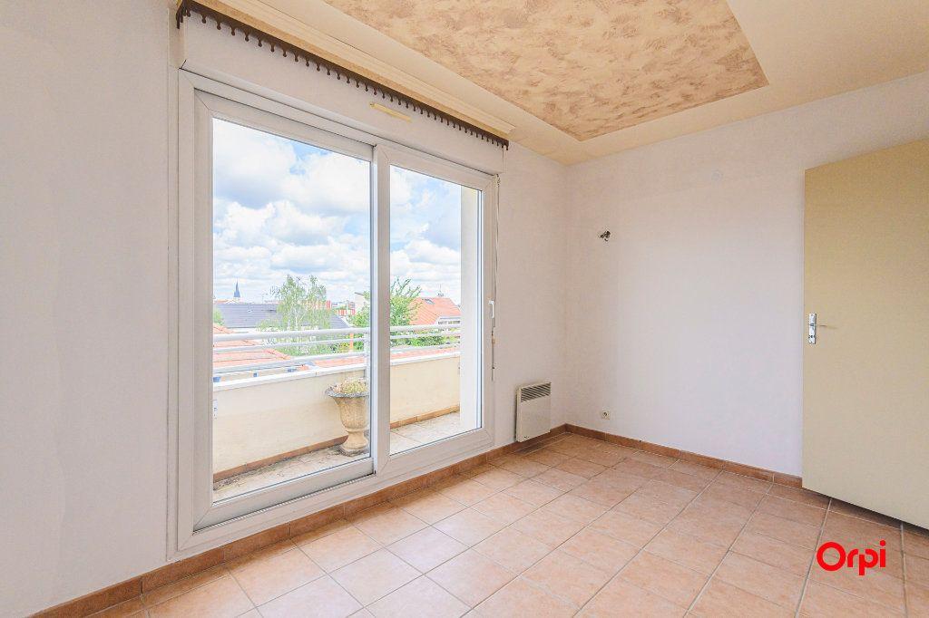 Appartement à vendre 5 98m2 à Reims vignette-8