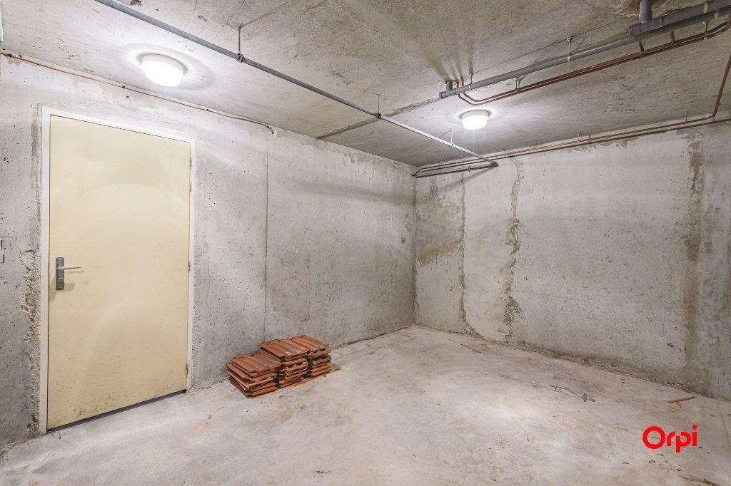 Appartement à vendre 5 98m2 à Reims vignette-11