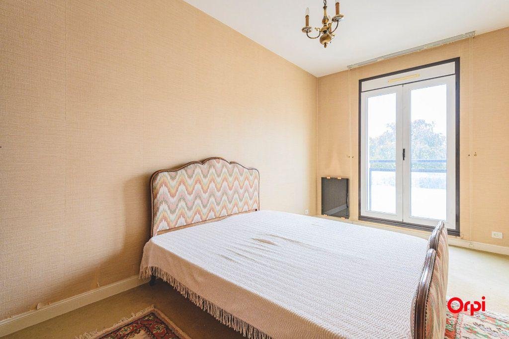 Appartement à vendre 5 152.37m2 à Reims vignette-9