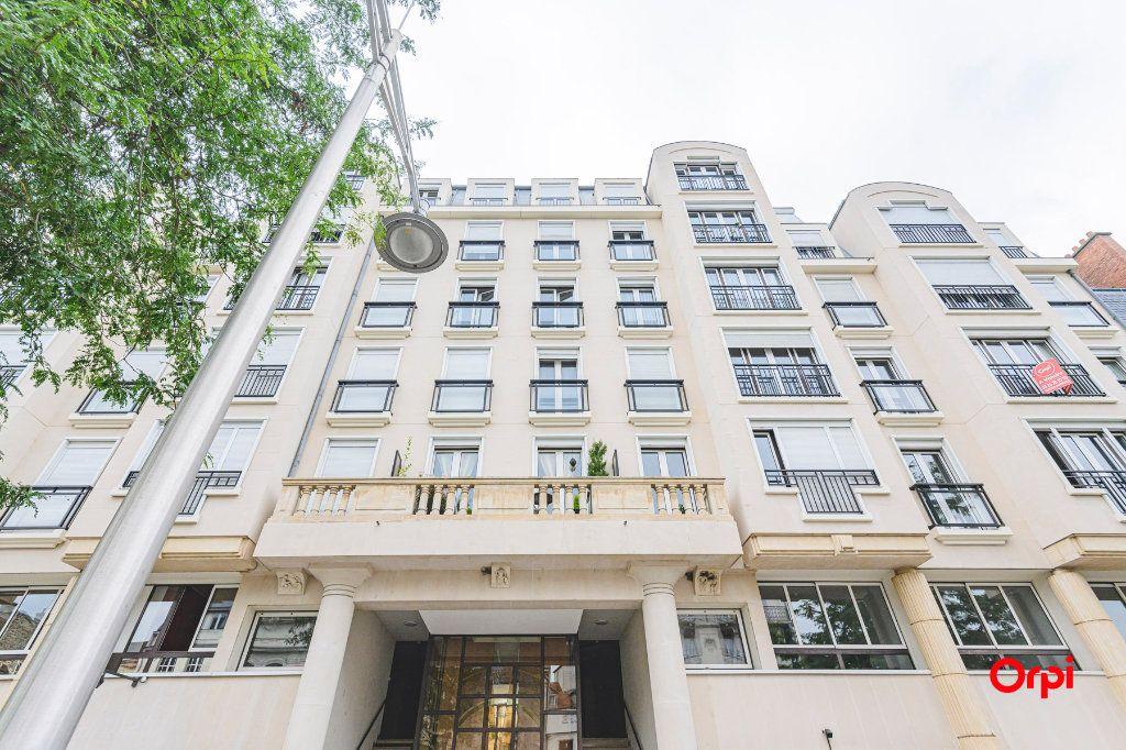Appartement à vendre 5 152.37m2 à Reims vignette-11