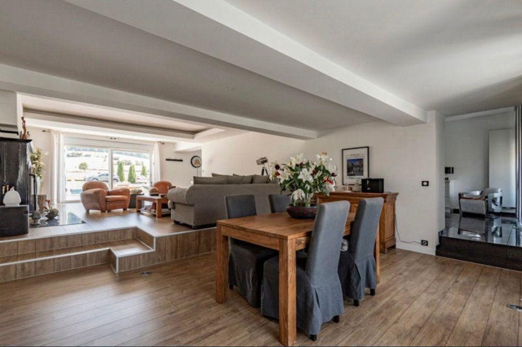 Maison à vendre 10 391.5m2 à Rouvroy-sur-Audry vignette-6