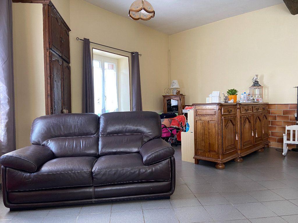 Maison à vendre 6 204.85m2 à Fismes vignette-10