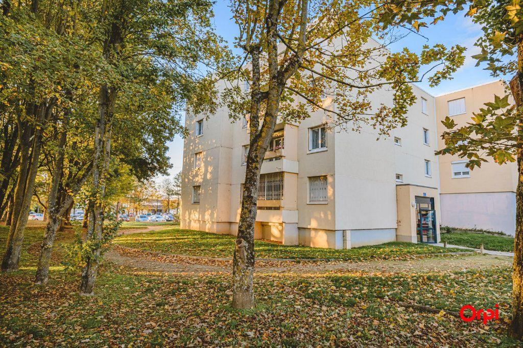 Appartement à vendre 6 113m2 à Reims vignette-1