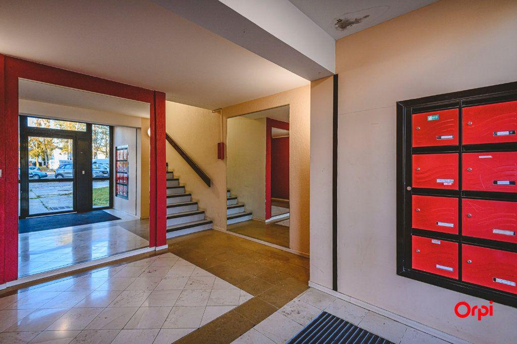 Appartement à vendre 6 113m2 à Reims vignette-3