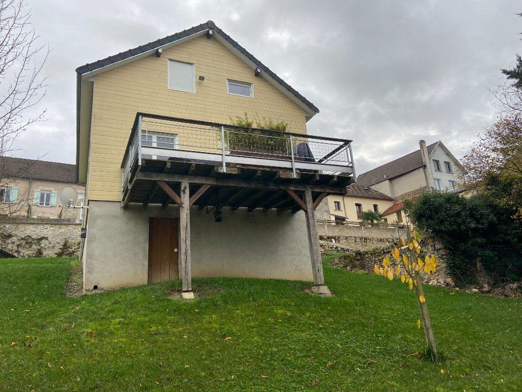 Maison à vendre 5 115m2 à Mareuil-le-Port vignette-10