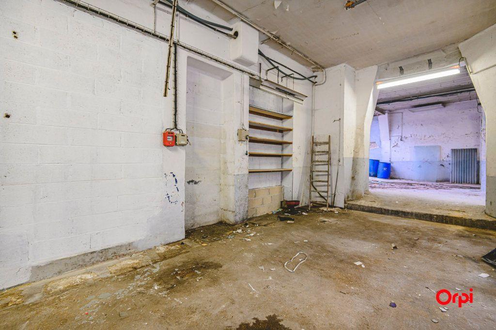 Appartement à vendre 1 310m2 à Reims vignette-3