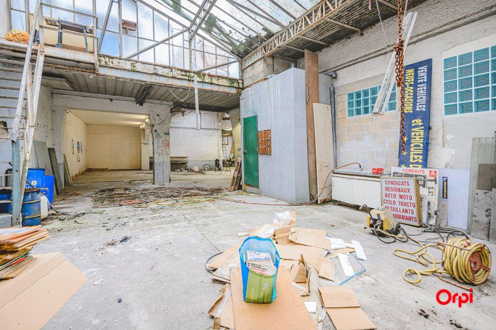 Appartement à vendre 1 310m2 à Reims vignette-5