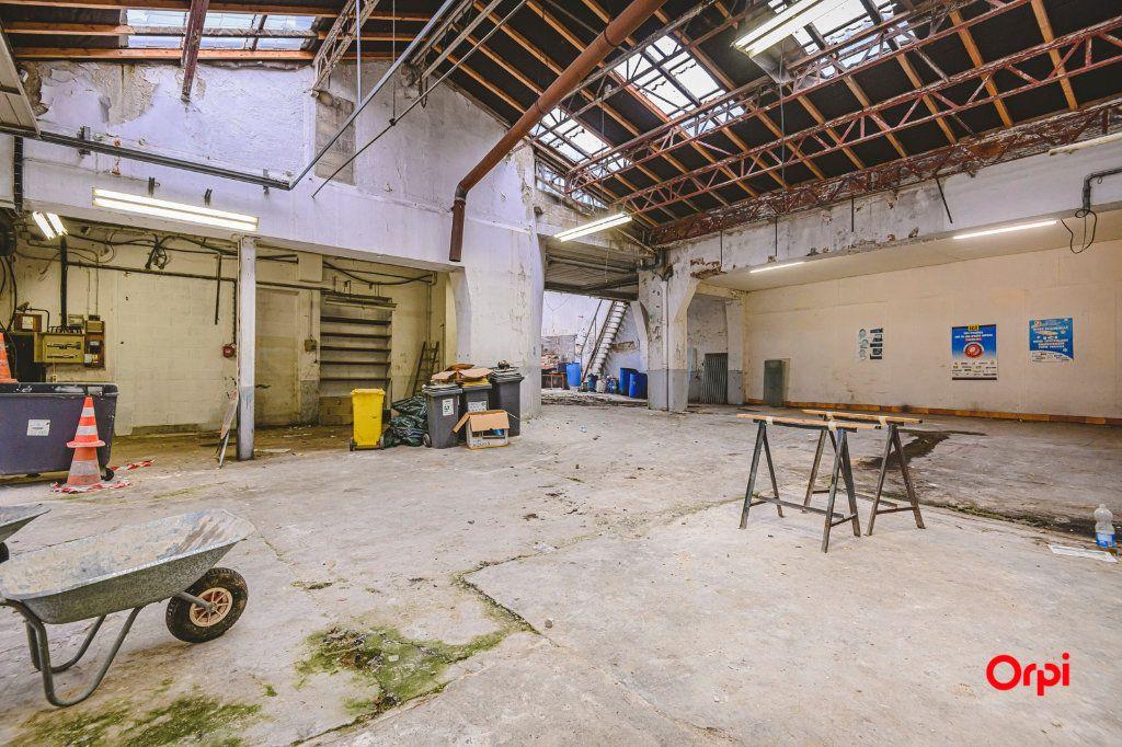 Appartement à vendre 1 310m2 à Reims vignette-6