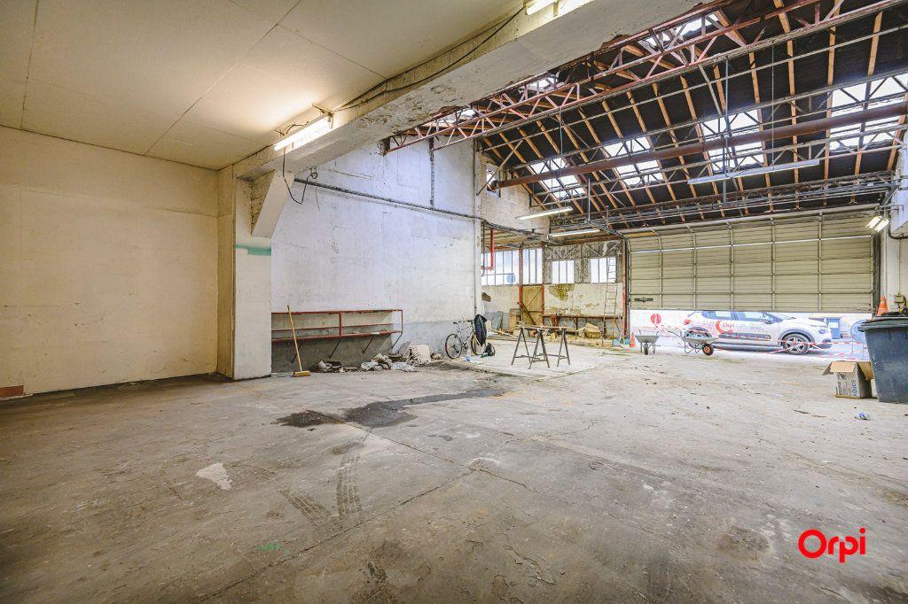 Appartement à vendre 1 310m2 à Reims vignette-8