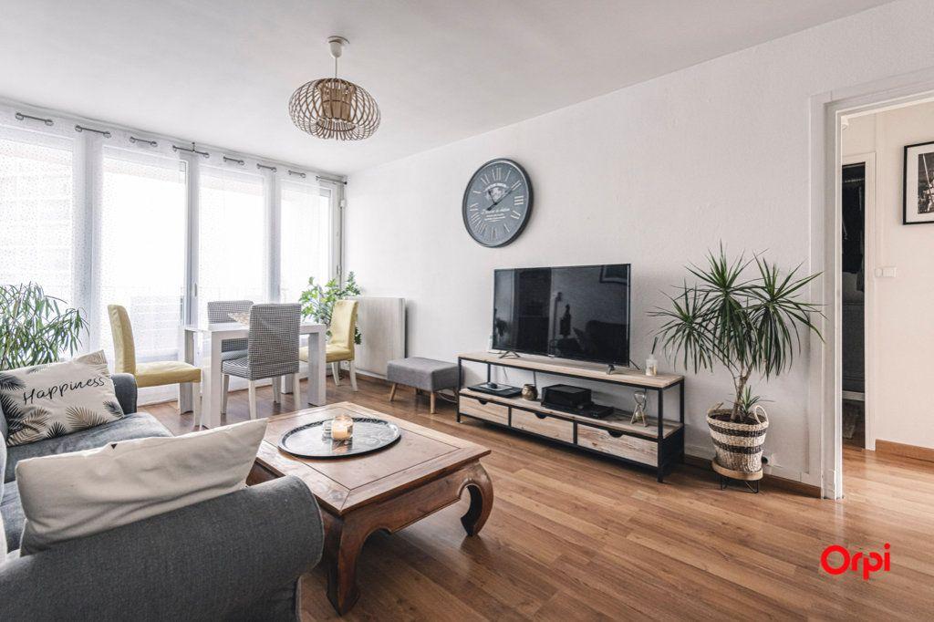 Appartement à vendre 5 93m2 à Reims vignette-1