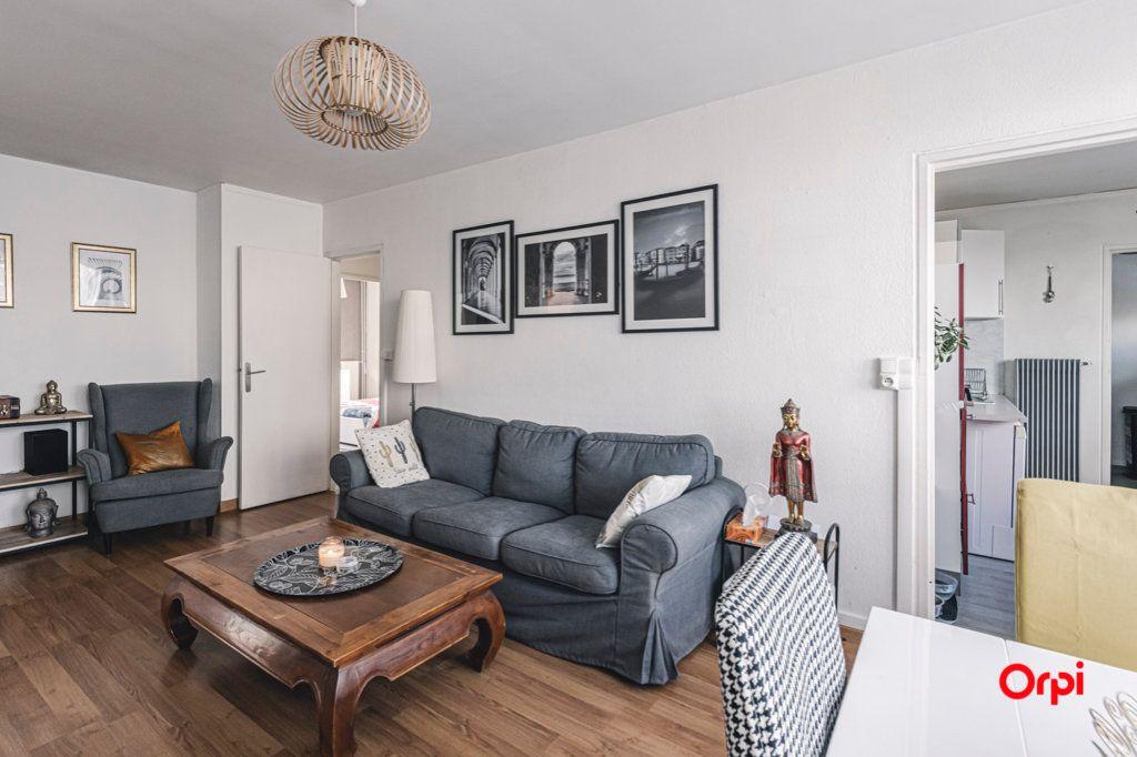 Appartement à vendre 5 93m2 à Reims vignette-2