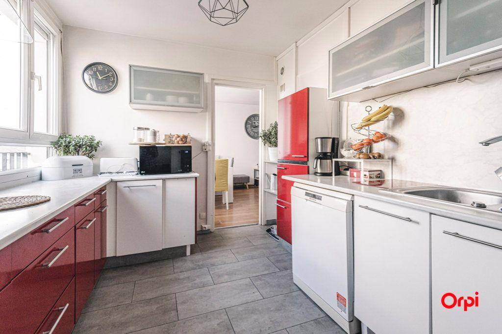Appartement à vendre 5 93m2 à Reims vignette-5