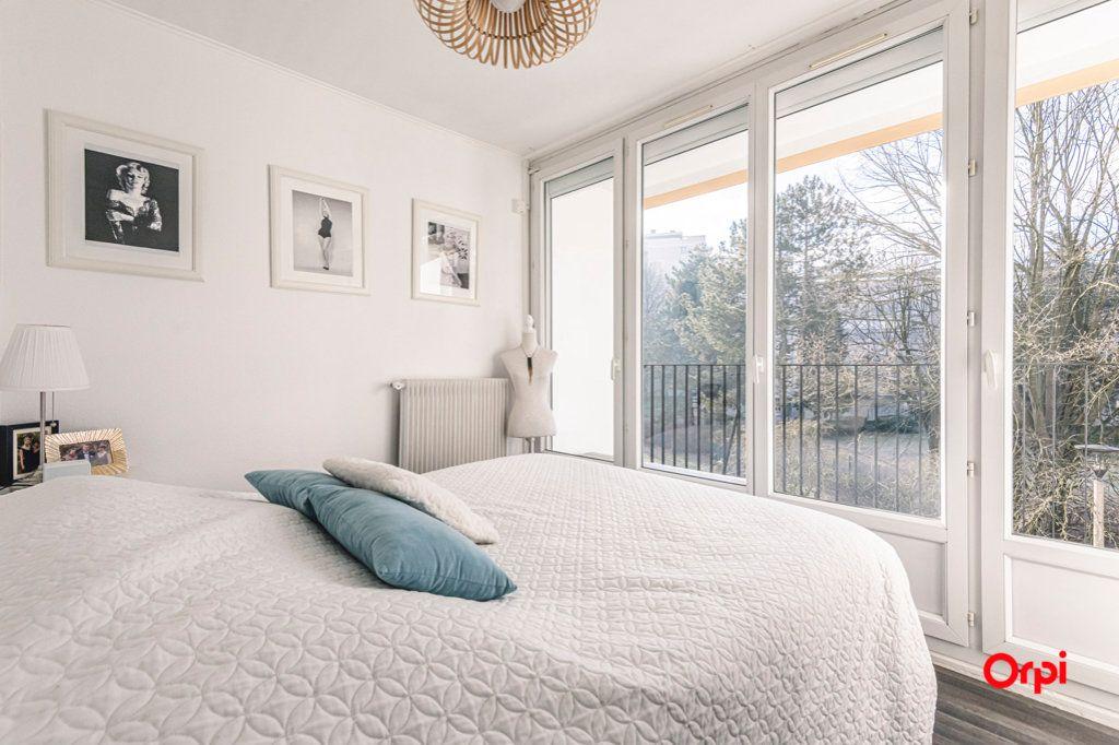 Appartement à vendre 5 93m2 à Reims vignette-9